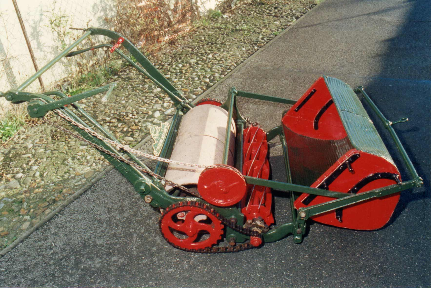 old fashioned lawnmower 2 wethersfield history. Black Bedroom Furniture Sets. Home Design Ideas